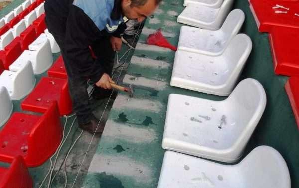 assleblying of stadium chairs RT1223